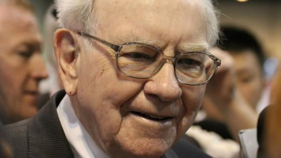 Stock market crash: I'd follow Warren Buffett and buy FTSE 100 dividend stocks to get rich